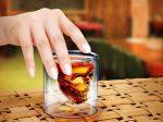 لیوان طرح اسکلت دارای طرحی مانند لیوان برعکس جلوه ای خاص و بسیار شگفت انگیز